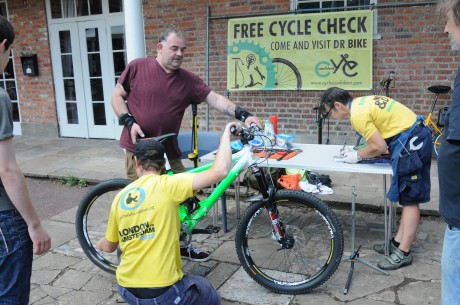 Dr Bike cycle checks. Man getting his bike checked